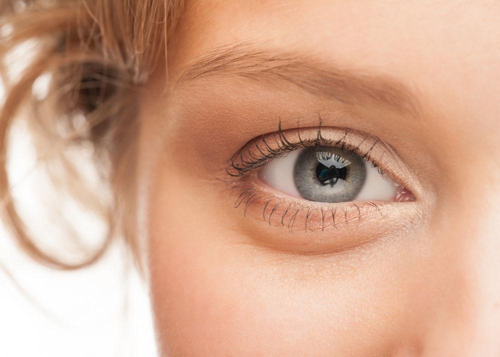आँखों की रोशनी बढ़ाएँ