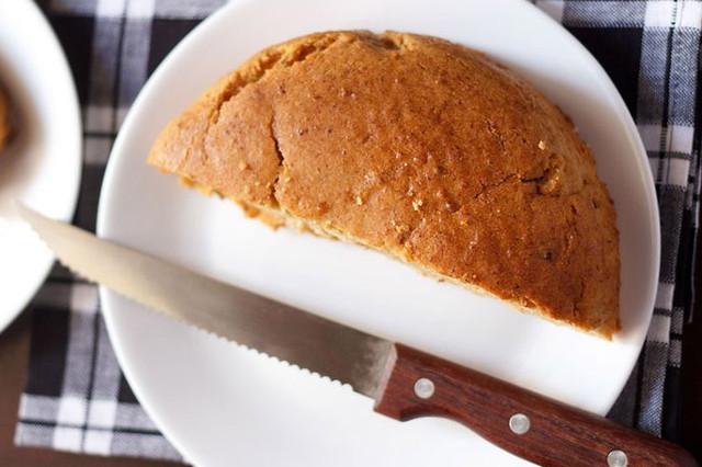 एगलेस मावा केक