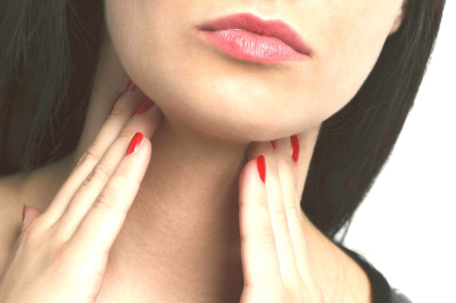 थायरॉइड असंतुलित होने के लक्षण