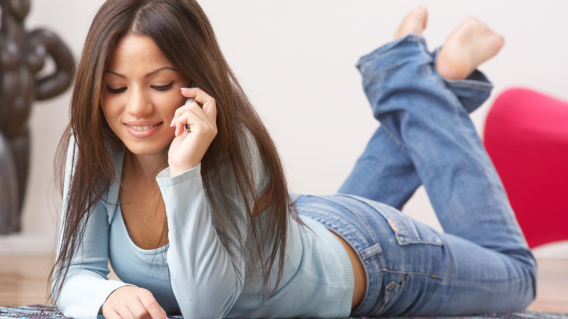 लड़की का फ़ोन नम्बर