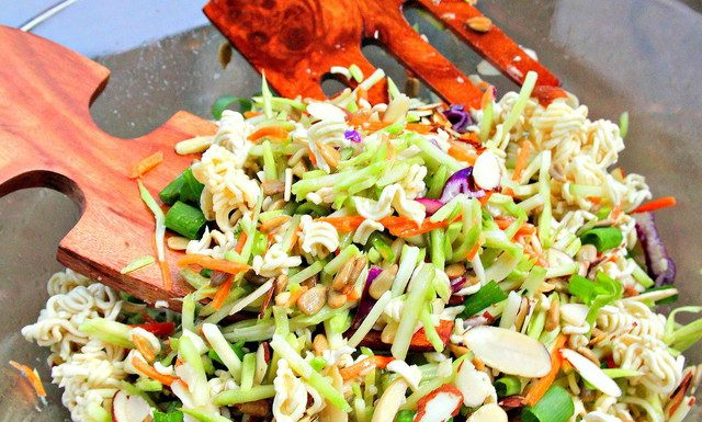Crunchy chinese salad