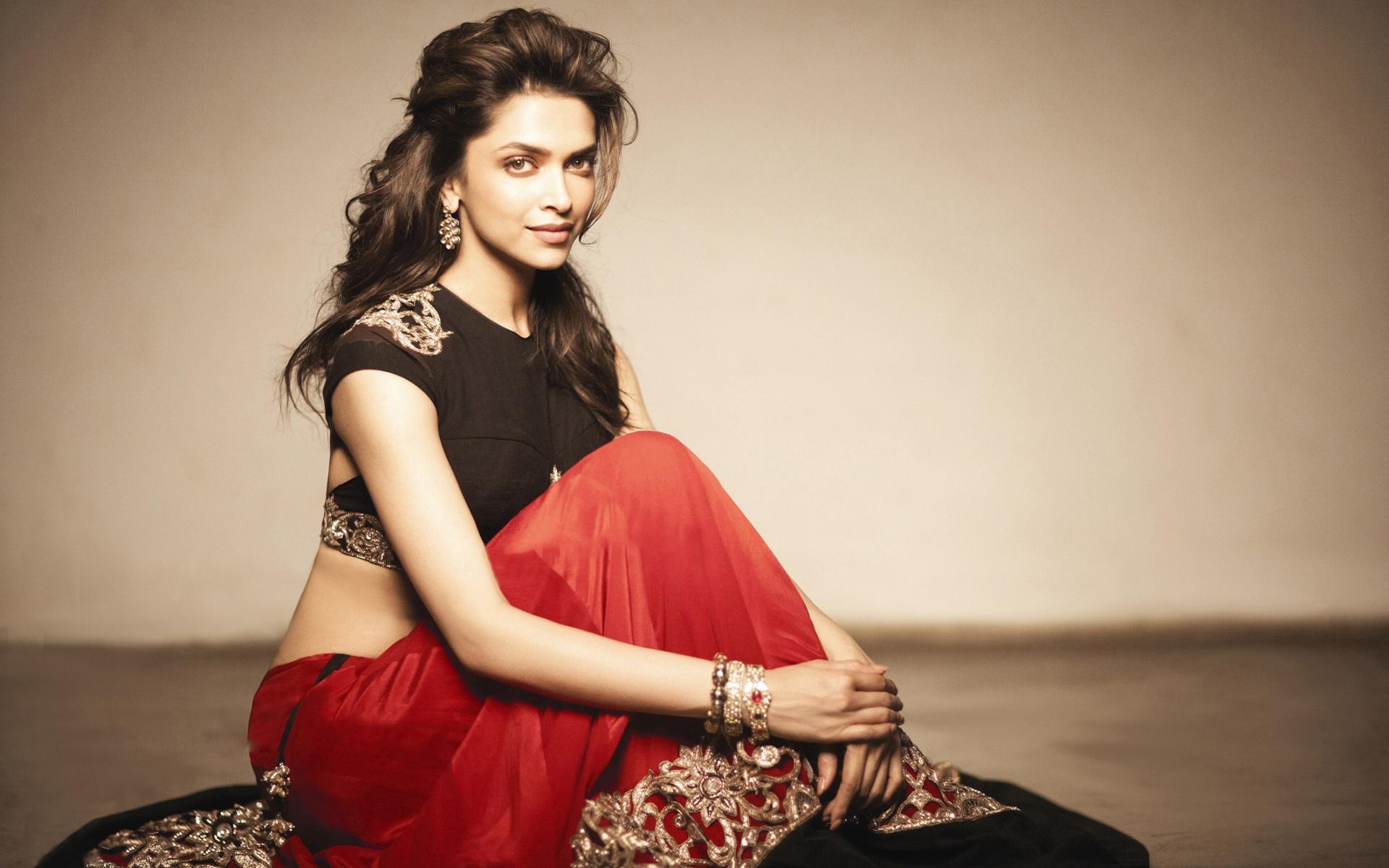 Deepika Padukone red saree