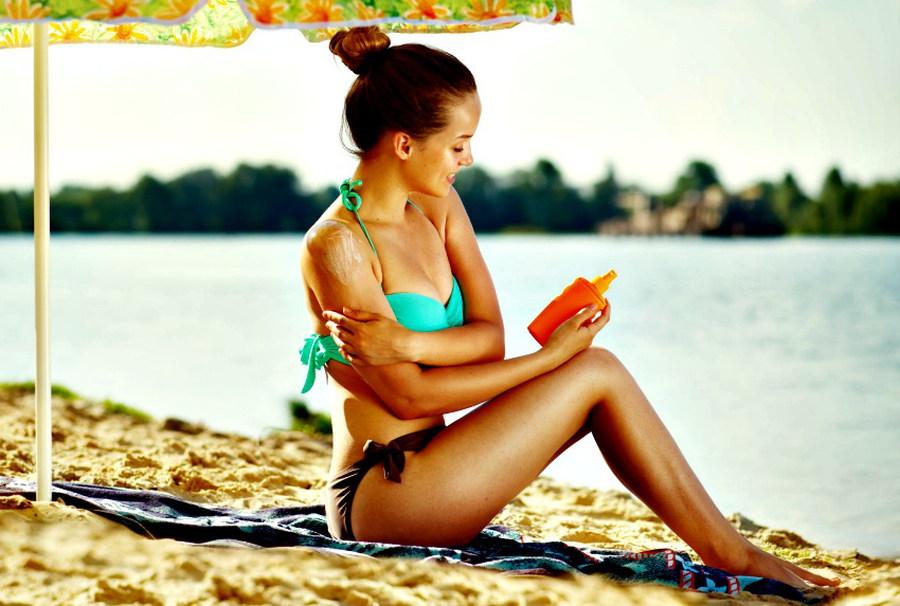 तेज़ धूप से त्वचा की सुरक्षा - Skin care sunburn