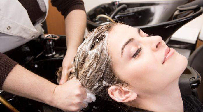 बालों को धोने के टिप्स