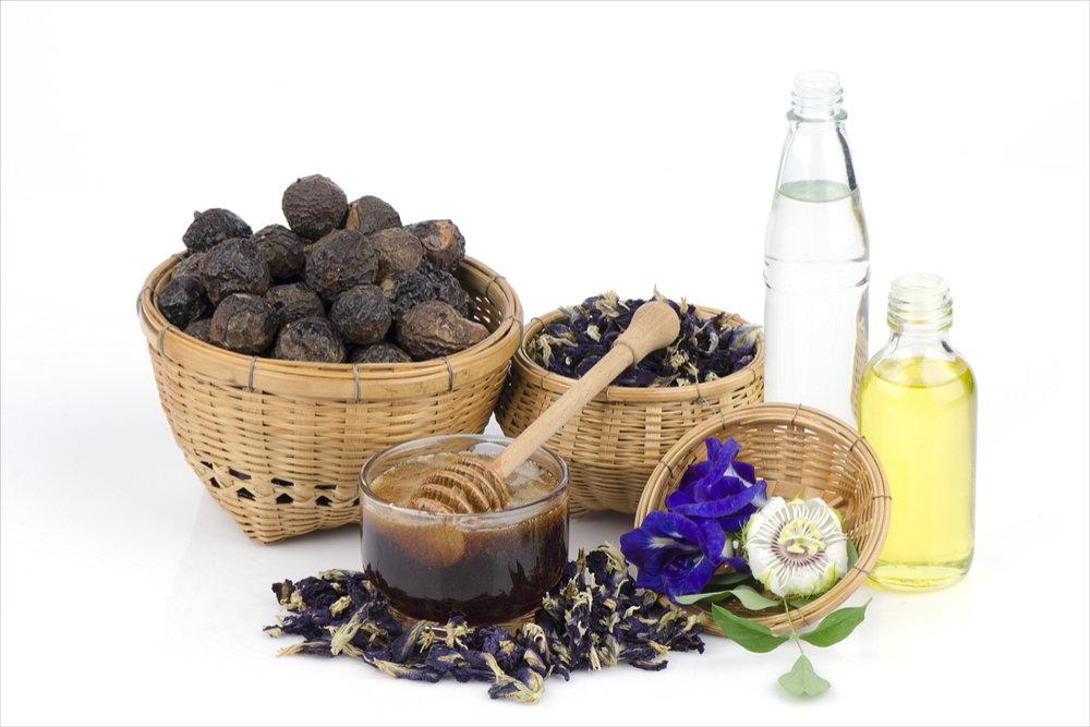 Herbal shampoo ingredients