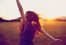 जीवन में ख़ुश रहना