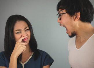 मुँह की बदबू दूर करें